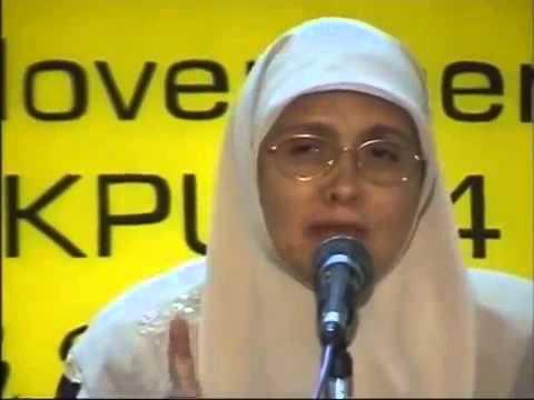 Seorang Biarawati Masuk Islam Dan Menjadi Ustadzah