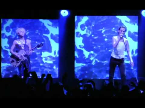 Depeche Mode - Enjoy the silence (live 1993)