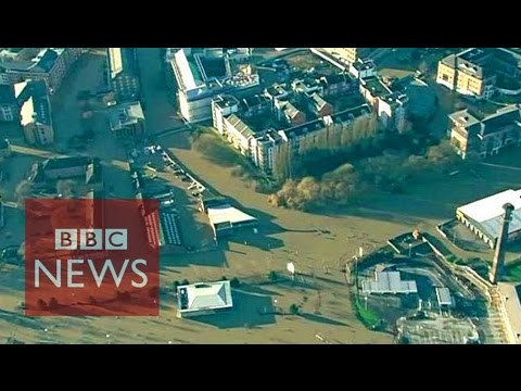 UK floods: Aerial view of floods in Yorkshire and Lancashire - BBC News