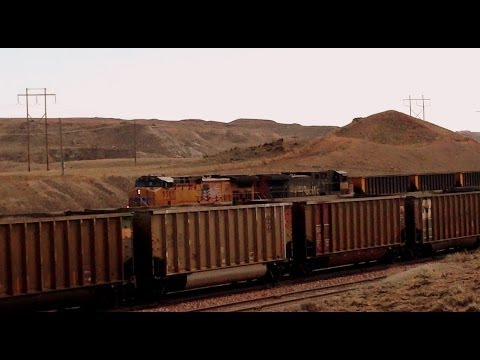 UNION & SOUTHERN PACIFIC led empty coal train at Thunder Basin mine in Wyoming's Powder River Basin