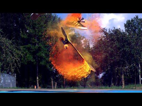 カラフルな粉がスケボーから飛び散る美しいスローモーション映像