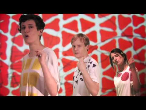 "Micachu & The Shapes - ""Golden Phone"""