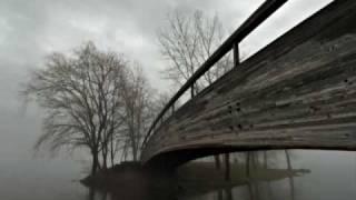 Watch 30 Seconds To Mars Echelon video