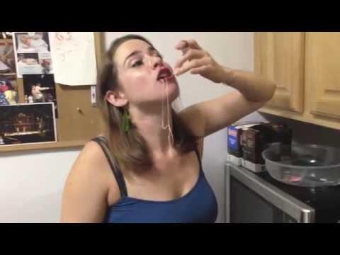 Sarhoş Kız Yemek Yaparsa