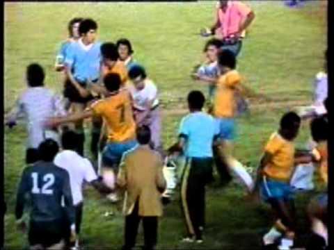 Brasil x Uruguai - Briga Generalizada - Maracanã - 1976