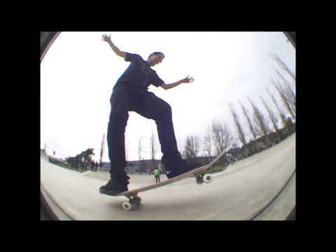New Line and Kitsch: Skatepark Sundays #8 - Ambleside Skatepark in West Vancouver, BC