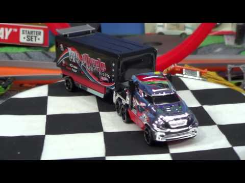 Hot Wheels Trackin' Trucks Hiway Hauler And Copter Chase Review