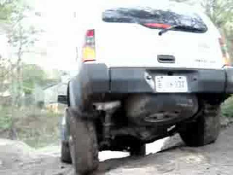 nissan xterra vs jeep cherokee vs ford (offroad) Video