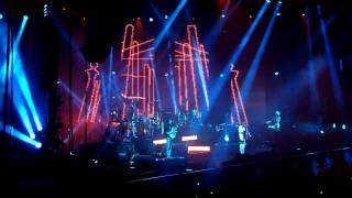 Faithless- God Is A DJ @ The O2