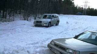 Video how Impreza, Forester  tried to pull out of the snow Legacy
