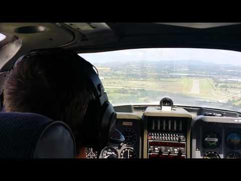 Aterrizando en La Morgal. Avioneta Tampico.