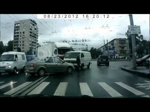 Грузовик VS микроавтобус