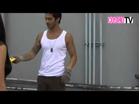 Sexy Wit, Hot Aussie Accent, Elaborate Tattoos: Online Hunk Mark Whittington