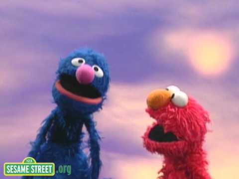 Sesame Street: Elmo and Grover Count in English and Spanish