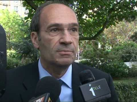 'I didn't touch illegal cash': French minister