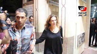 يسرا ودرة في عزاء والدة المخرجة كاملة أبو ذكري