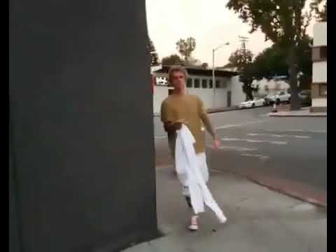 Justin Bieber on Street asks for Selena Gomez thumbnail