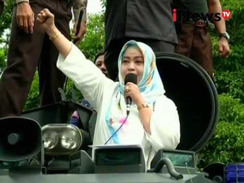 Demo guru honorer - Jakarta Today 10/02