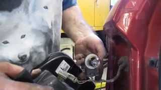 2008 Ford Edge Brake light bulb replacement