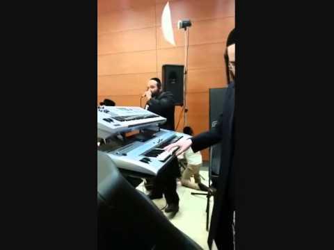 יולי קליין והרשי סגל שרים נקדישך של ליפא שמעלצר Nakdishach Yoely Klein And Hershy Segal