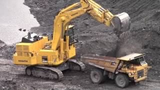 Team Work at the Open Pit
