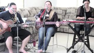 I Am A Queen Acoustic - Lilo De Lima of Kapena
