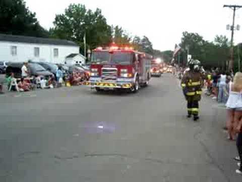 Firefighters struggle against major blazes in two western U.S. ...