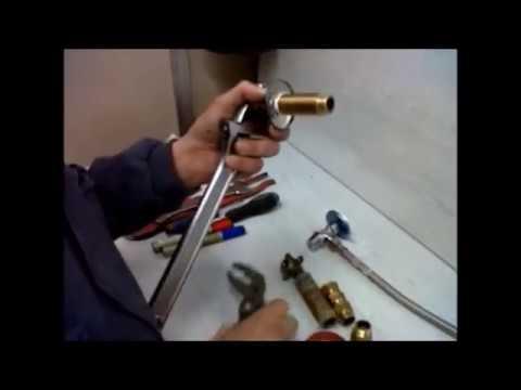 Como cambiar una llave de paso youtube for Cambiar vastago de ducha