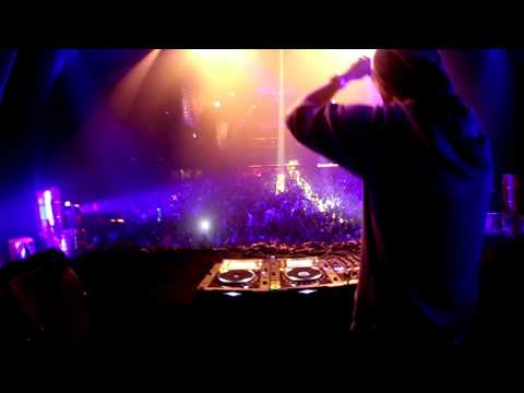 Gunz For Hire - The Resistance 013 - Tilburg (Aftermovie)