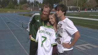 Nat Borchers provides assist to Lakeridge High School senior prom proposal