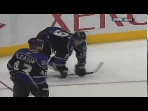 Wacky Goal Celebration: Sean Avery stays in shape with some push-ups