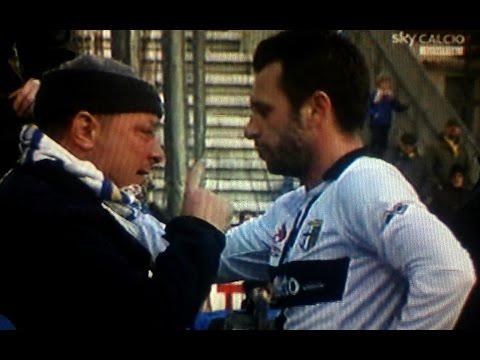 Contestazione Tifosi Parma, Cassano faccia faccia con un Tifoso dopo Parma Cesena 1 2