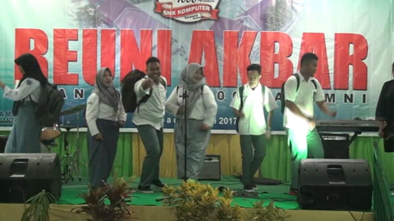 "Kabaret Reuni Akbar ""10 Angkatan 1000 Alumni"" Alumni SMK Komputer Ampana"