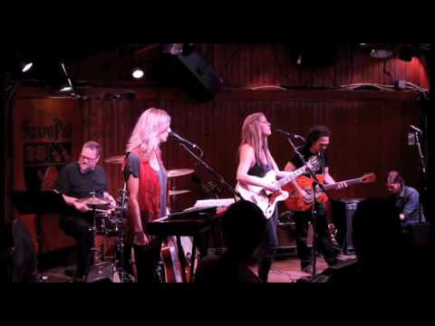 "The Belle Sounds - ""Setting of the Summer Sun"" (Live at the Saxon Pub in Austin, TX)"