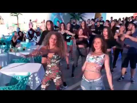Ольга Бузова в Анапе. Самые забавные моменты: фонограмма и танцы поклонников