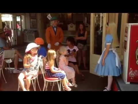 Alice & Mad Hatter Play Musical Chairs at Coke Corner Disneyland...