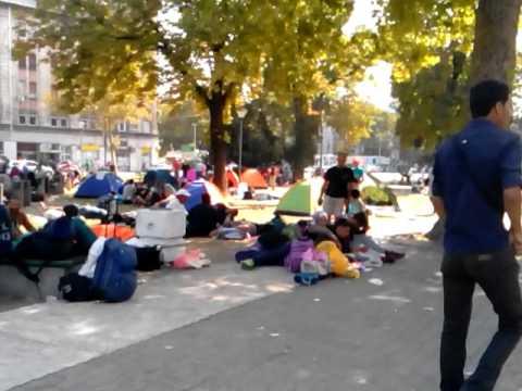 Belgrade bus station park during migrant crisis | WALKTHROUGH