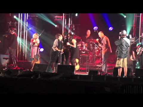 'Wagonwheel' -Performed by Kasey Chambers, Shane Nicholson, Nikki Jensen & Harry Hookey