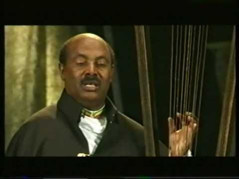 "Alemu Aga ""Besmeab - Abatachin Hoy"", playing the Begenna, the Harp of David from Ethiopia"