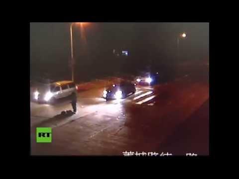 Un peatón es atropellado varias veces en China y sobrevive