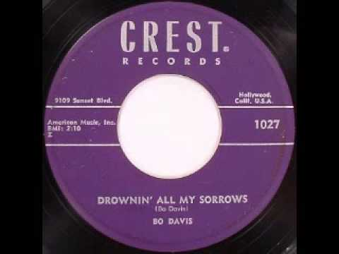 Bo Davis - Drowning All My Sorrows