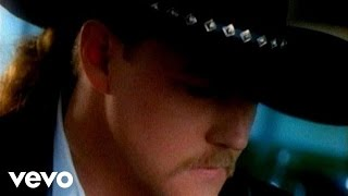 Watch Trace Adkins Theres A Girl In Texas video