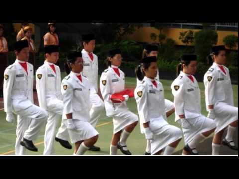 Rok Anggota Paskibra Nyaris Lepas Saat Bentuk Formasi thumbnail