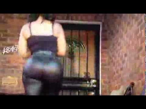 Deelishis Big Booty Jiggle Walk In Slow Motion video