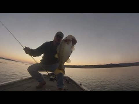 Deep Crankbait Fishing on Lake Guntersville, Gopro HD