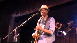 Watch Keb Mo Shave Yo Legs video