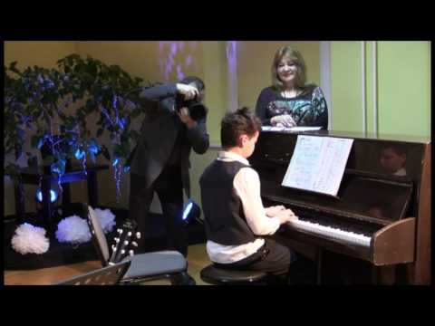Kacper Gra Na Pianinie