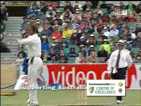 Shoaib Akhtar serious speed ends the test career of Darren Lehmann + Bill Lawry GOLD!
