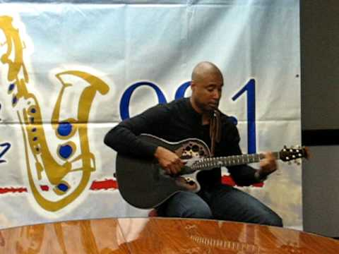 Bernie Williams performs