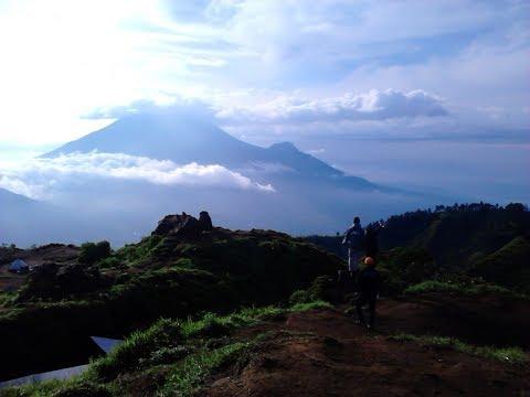 Jalan Jalan Bro ( Menelusuri Dieng & Gunung Sindoro )